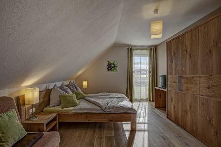 Haupt-Schlafzimmer.jpg
