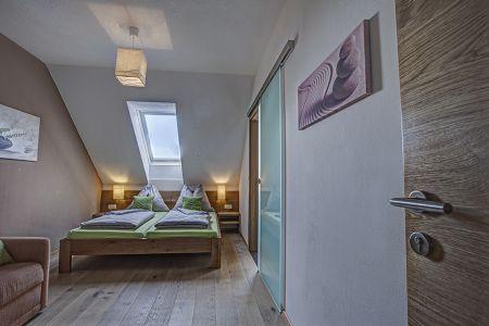 Zusatzschlafzimmer mit eigenem Bad.jpg
