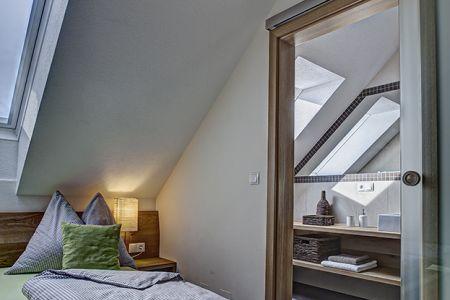 Zusatzschlafzimmer mit eigenem Bad(2).jpg